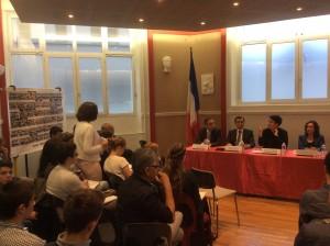 Les élèves de la Prépa posent leurs questions à Mme la Ministre sur la réforme des collectivités territoriales.