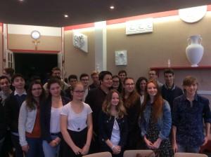 Mme Grelier, entourée des élèves de la Prépa Scs Po
